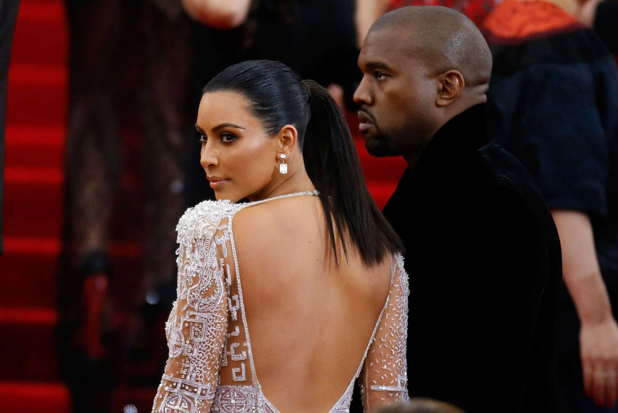 KUWTK: Kim Kardashian Going Through A 'Really Tough Time' Amid Husband Kanye West's 'Embarrassing' Social Media Rants – Here's Why!