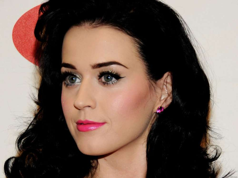 Katy Perry Acquires Restraining Order Against Man Who Claimed He Wanted To Break Orlando Bloom's Neck