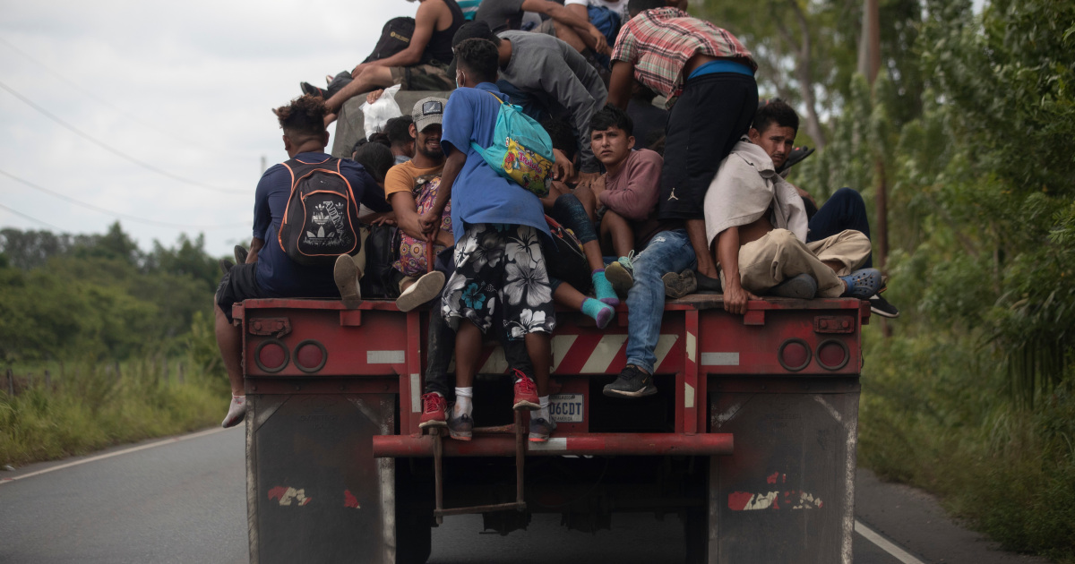 In Pictures: Guatemala toughens stance on migrant caravan