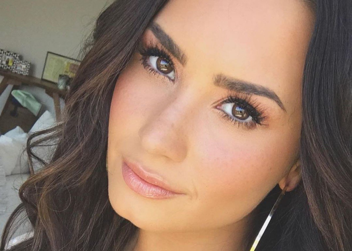 Demi Lovato Wears A Wool Blazer Without Anything Else And Looks Incredible — See The Gorgeous Look!