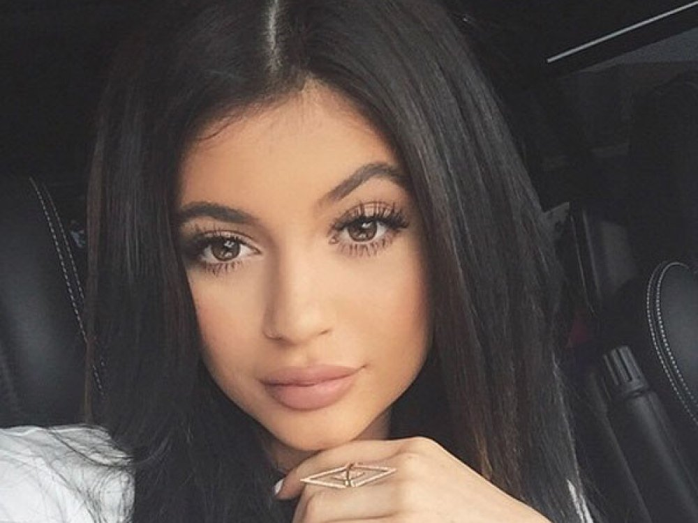 Kylie Jenner Reportedly Regrets Her Fight With Sister Kendall On KUWTK