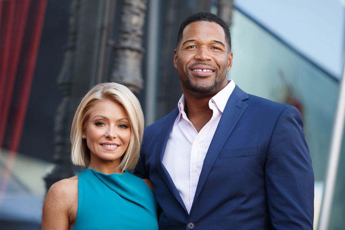 Kelly Ripa Comments On 2016 Michael Strahan Departure In New Interview — Fans Say She Is Bitter