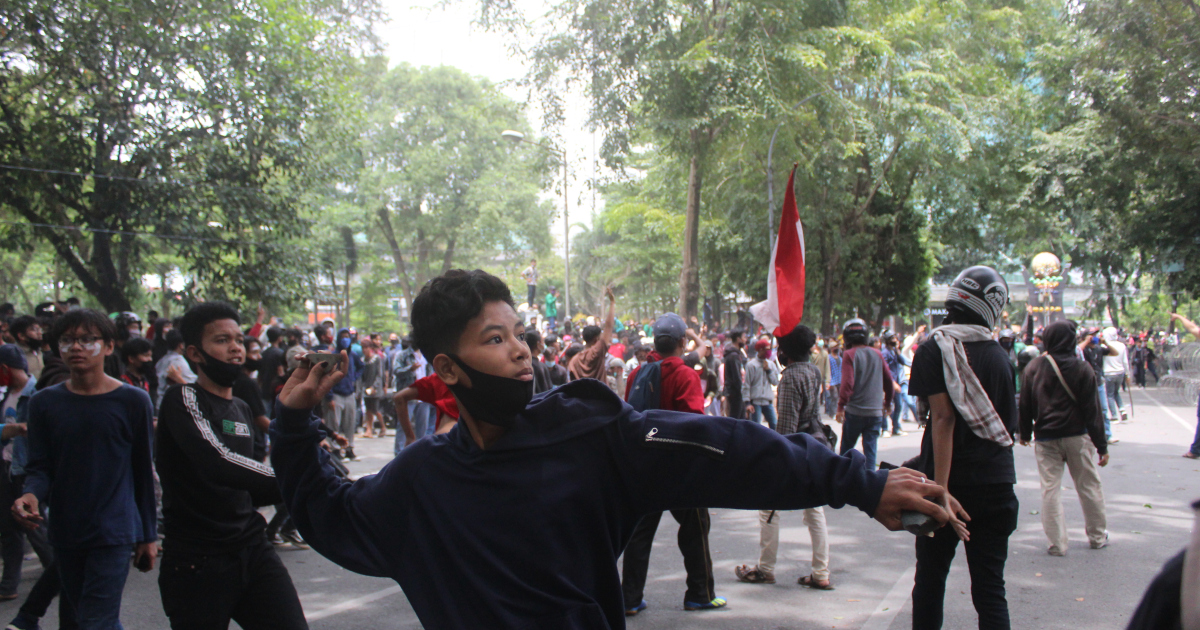 Demonstrations sweep Indonesia over controversial labour law