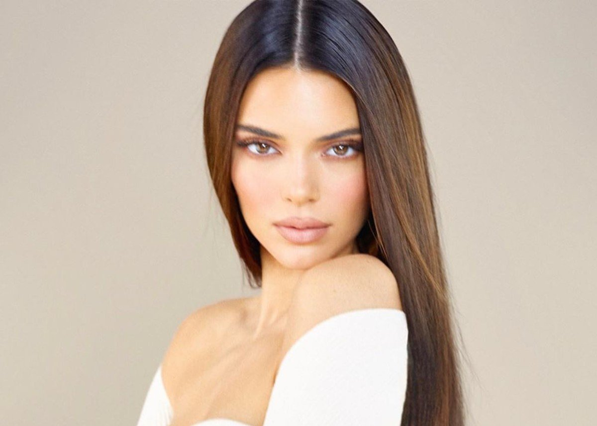 Kendall Jenner Shows Off Her Beach Body In Two Piece Bathing Suit — Check Out The Photos!