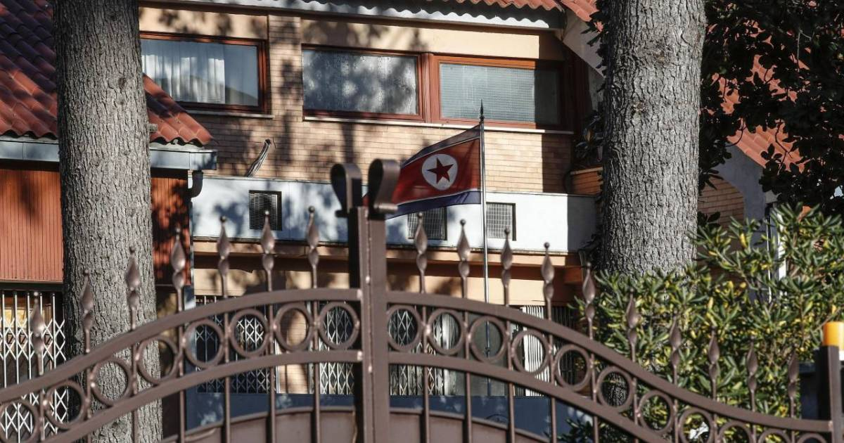 Former North Korean diplomat in Italy defects to south: report