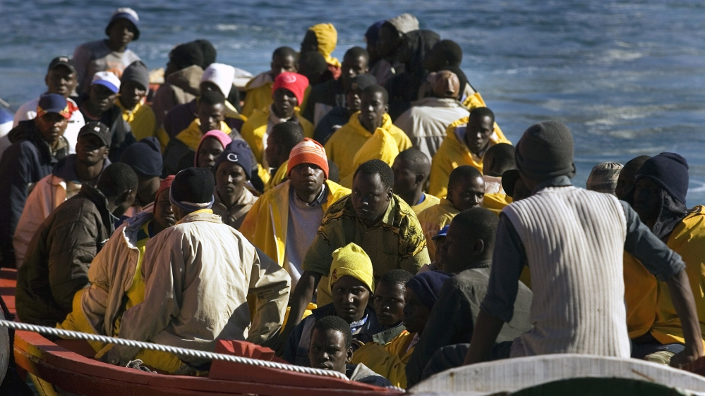 Eleven dead after boat carrying refugees sinks off Tunisia