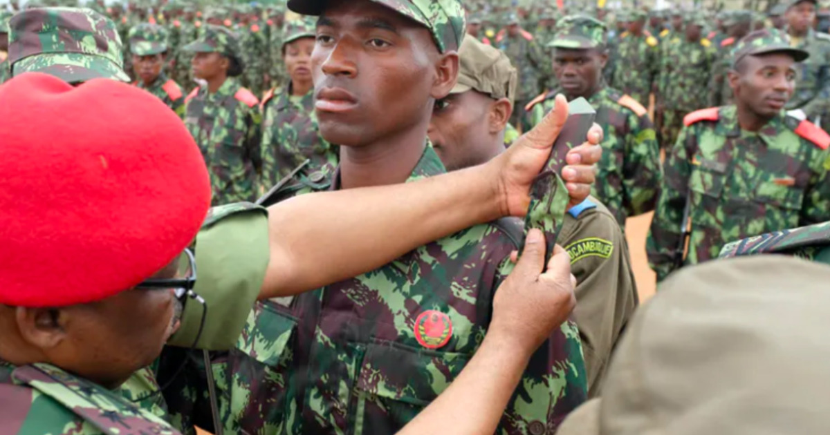 How can armed groups in northern Mozambique be contained?