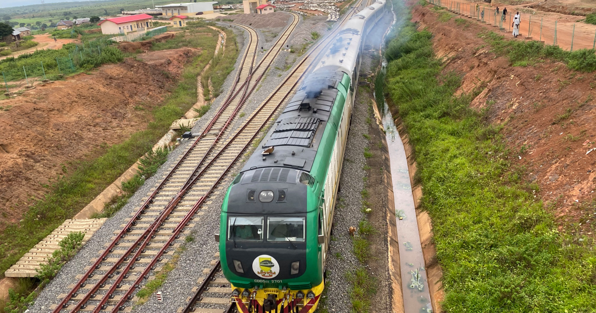 Nigeria's railway people: Life alongside a high-speed rail link