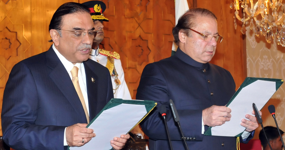 Pakistan ex-president charged for corruption, ex-pm with sedition