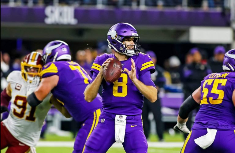 Chicago Bears' Sluggish Offense Allows Vikings to Triumph at Soldier Field, 19-13