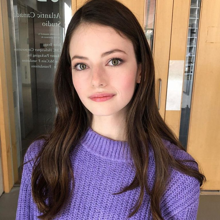 Mackenzie Foy Opens Up About Her Experience Playing Renesmee In Twilight: Breaking Down!
