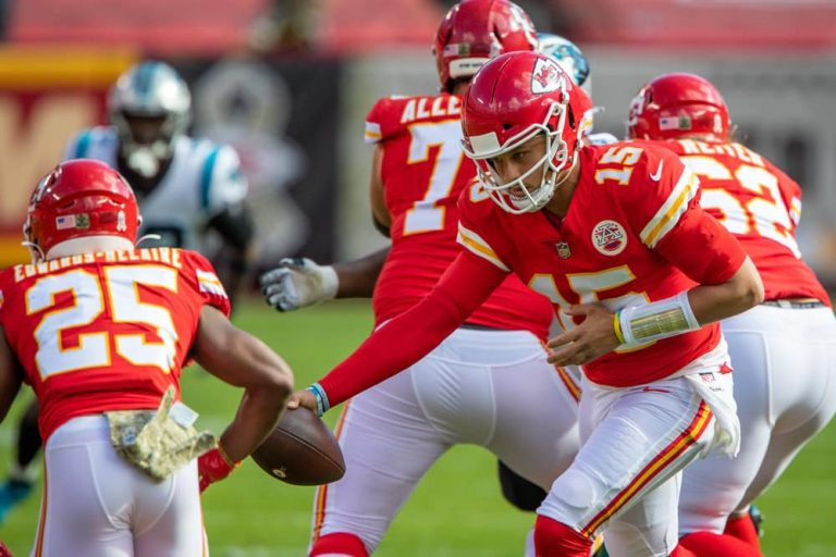 Mahomes And Kelce Overpower Raiders, Chiefs Win In Dramatic Style, 35-31