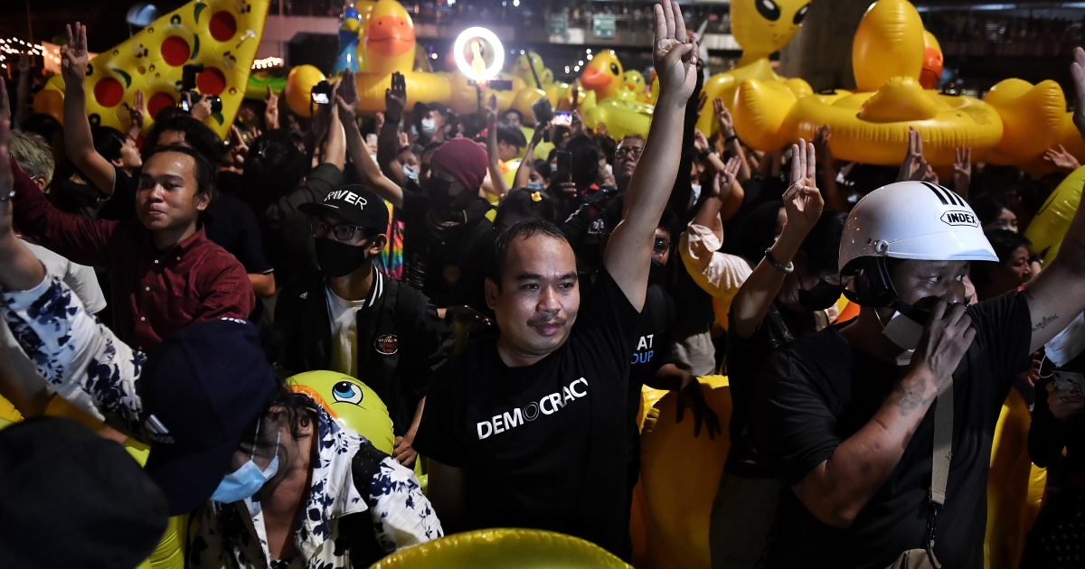 Thai protesters practise 'coup prevention' in latest rally