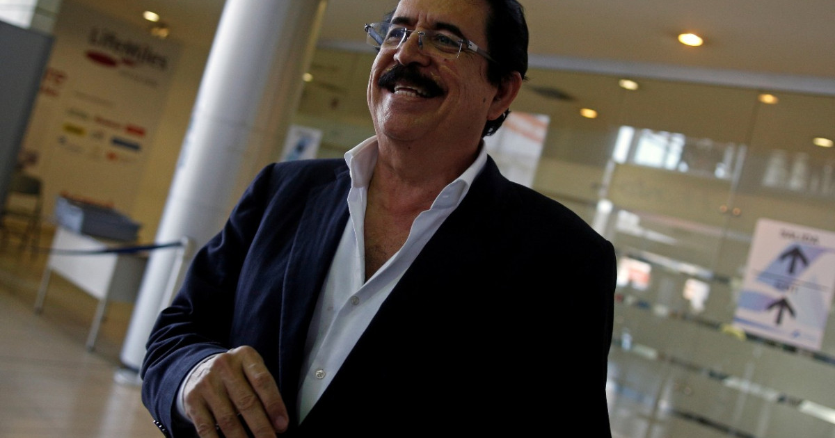 Honduras ex-President Zelaya stopped at airport with bag of money
