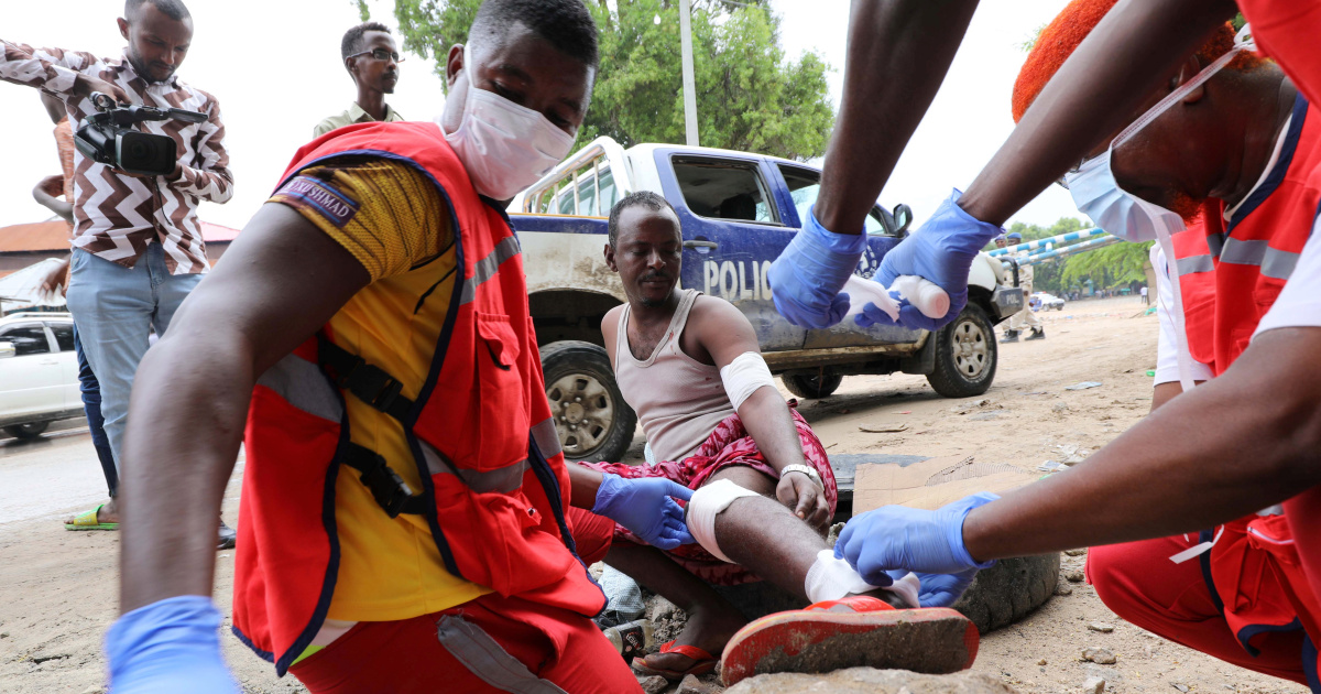 Five dead, many wounded in suicide bomb attack in Somalia