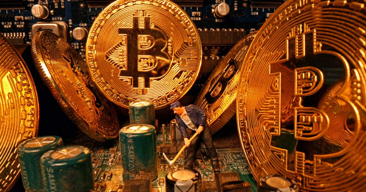 Bitcoin hits a new record, rallying to $19,857