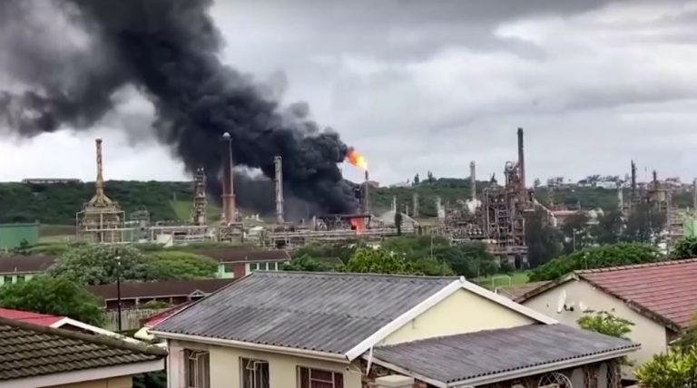 South Africa: Explosion rocks oil refinery in Durban