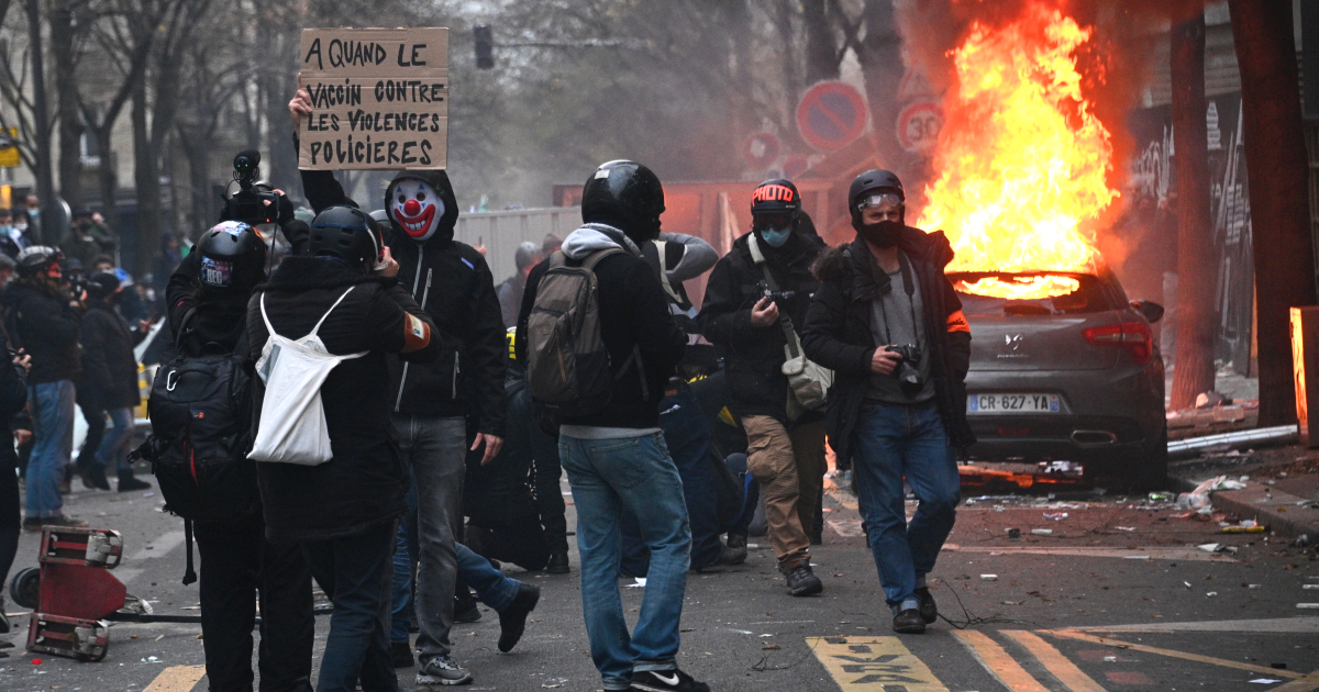 France: Violence erupts in new Paris protest against security law