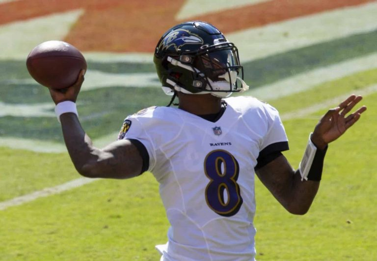 Lamar Jackson and the Baltimore Ravens Trounce Dallas Cowboys, 34-17