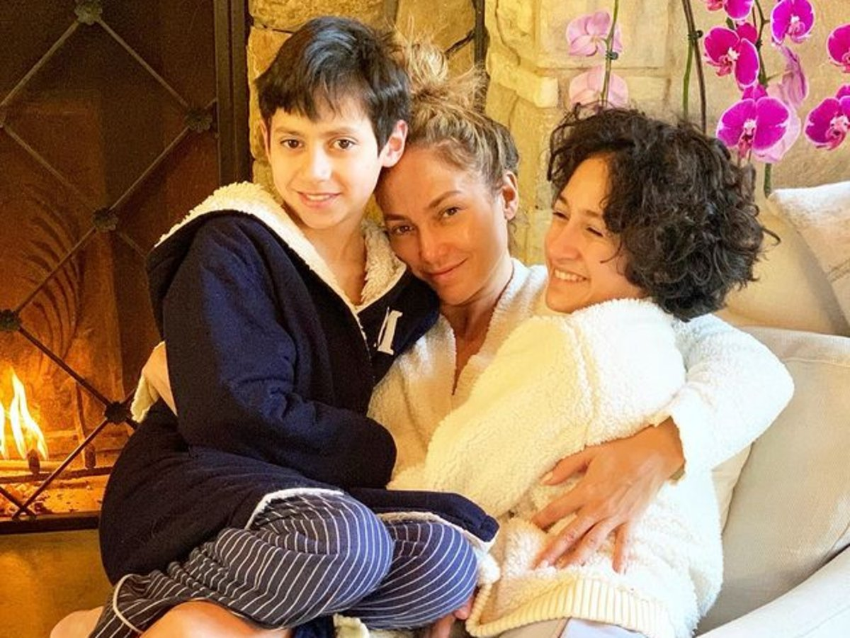 Jennifer Lopez Snuggles Her 12-Year-Old Twins Max And Emme Muniz While Wearing A Creamy, Cozy Robe