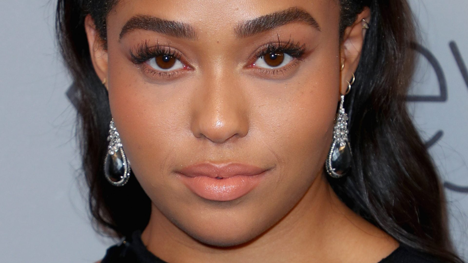 Jordyn Woods Shows Off Her Symmetrical Face, And Fans Are Stunned – Check Out Her Video