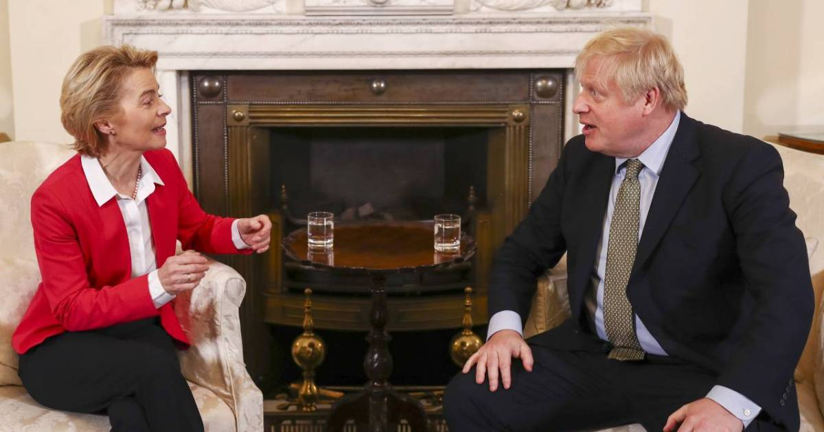 Johnson, EU chief to hold emergency call as Brexit talks falter